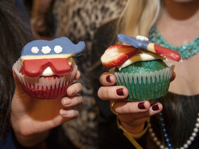 Republican and Democrat cupcakes