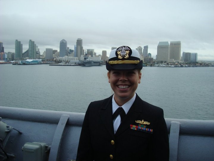 Parra-Orlandoni '15 in her naval uniform